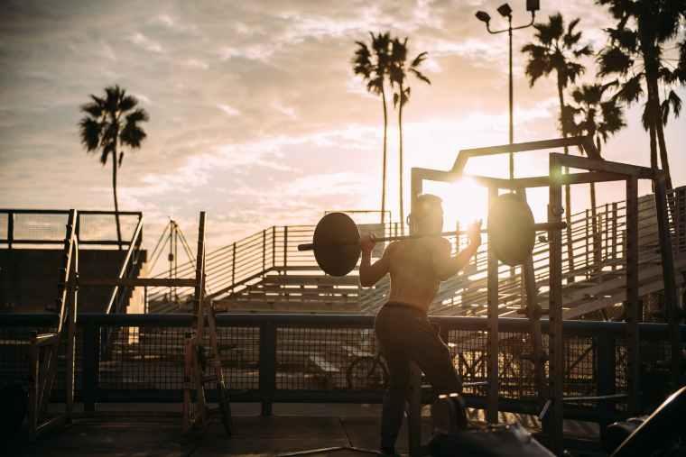 athlete beach bodybuilder bodybuilding